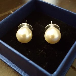 Beautiful Brand New Faux Pearl Earrings